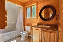 Ванная комната в деревянном доме: интересные дизайнерские решения