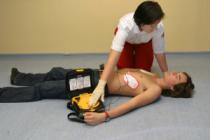 Оказание первой помощи при поражении электрическим током: методика по спасению