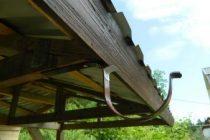 8 способов установить водостоки, если крыша уже покрыта