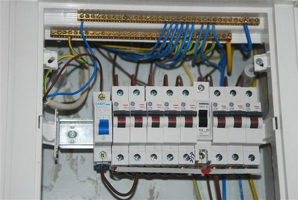 Монтаж электропроводки в частном доме своими руками