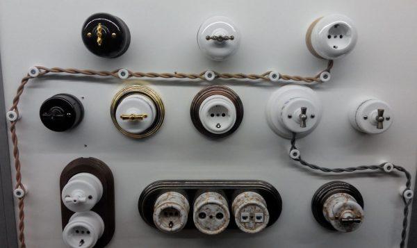 витые провода и фарфоровые ролики