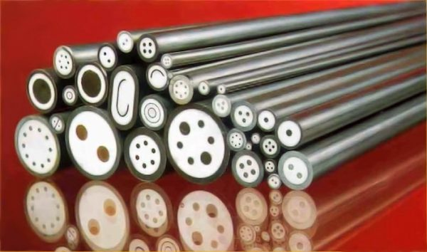 Изоляция различных кабелей окисью магния – магнезией (белое вещество между оболочкой и кабелем)