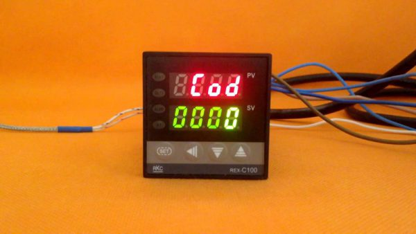 PID контроллер REX-C100