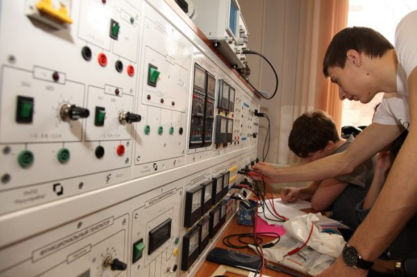 Предмет изучения электротехники