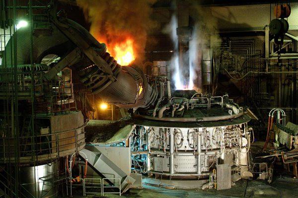 Внешний вид электрической печи для производства стали