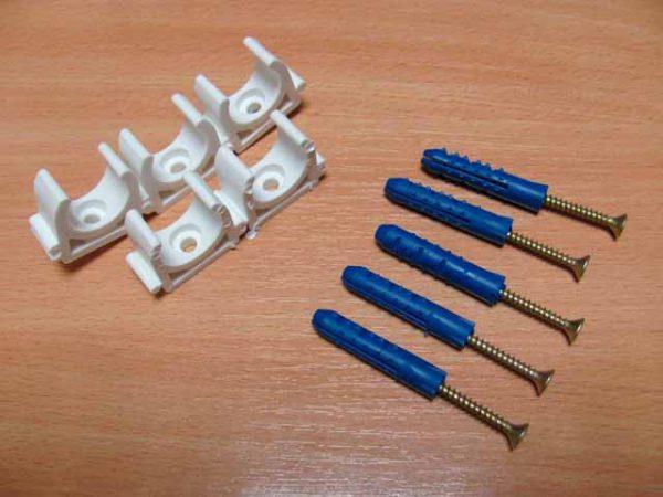 Клипсы и дюбели для крепления кабеля