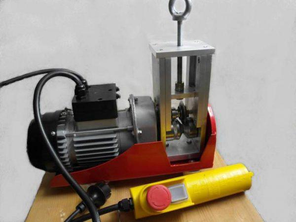 Станок с электромотором для снятия изоляции