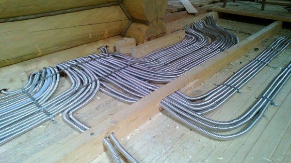 Гибкий кабель канал в промышленных помещениях