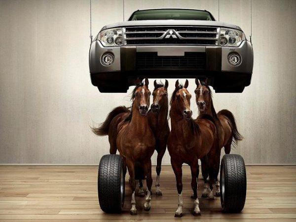 Мощность двигателя принято измерять в лошадиных силах