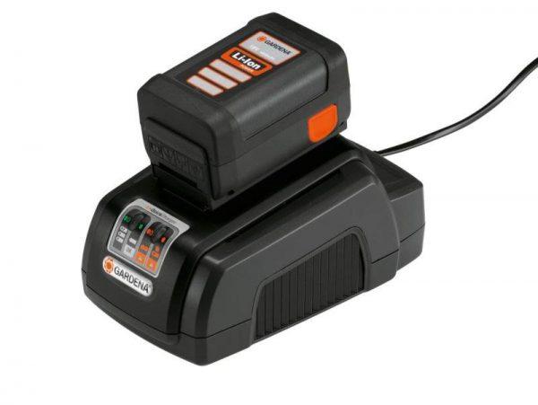 Универсальное аккумуляторное зарядное устройство с входами USB