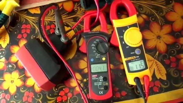 Измерение силы тока, который потребляет шуруповерт, мультиметром