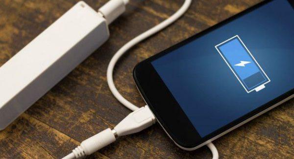 Зарядка Li-ion батареи у смартфона