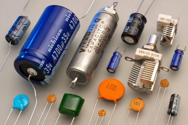 Внешний вид разнообразных конденсаторов
