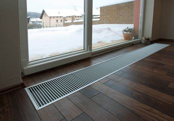 Пример монтажа теплового конвектора в полу