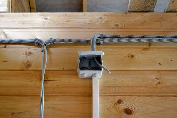 Прокладка кабеля РКГМ в гибких гофротрубах